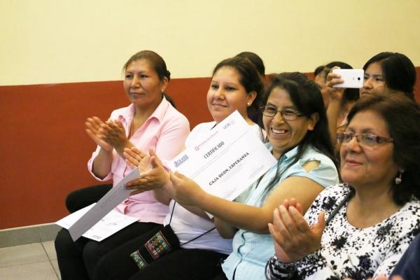 mujeres-empresarias-capacitadas-por-cease-09B31FBDF6-04C7-558B-ED66-AD656F1AB4E8.jpg